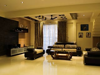 Mrs Deepas Residence:  Living room by Rubenius Interiors