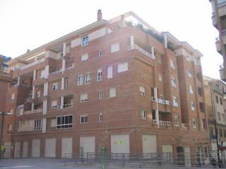 Proyecto de un edificio residencial en Granada por Domingo Chinchilla de dcr arquitecto Clásico