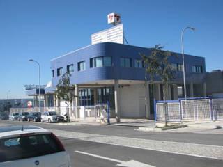 Diseño del proyecto de un pabellón de exposición y venta en Granada por Domingo Chinchilla Espacios comerciales de estilo industrial de dcr arquitecto Industrial
