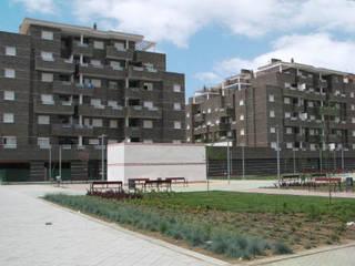 Diseño y construcción de un edificio residencial en Granada de dcr arquitecto Moderno