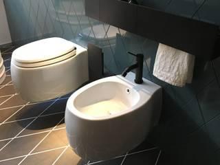 Remodelação Casa de banho, Lisboa - Portugal: Casas de banho  por Design de Interiores & Arquitectura