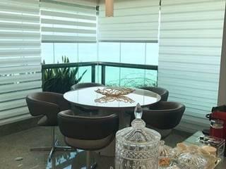 Ana Amélia Zoby Arquitetura Balkon, Beranda & Teras Klasik
