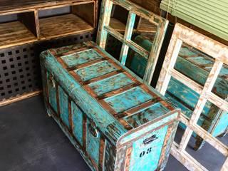 Baúl de madera rústico :  de estilo industrial de Industrial Art Barcelona, Industrial