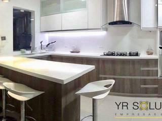 YR Solutions Cocinas de estilo moderno