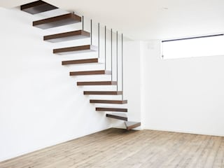 オブジェのような階段: LobeSquareが手掛けた階段です。,