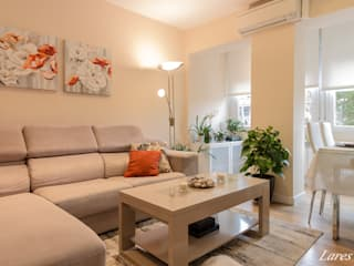 Home Staging salón:  de estilo  de Lares Home Staging