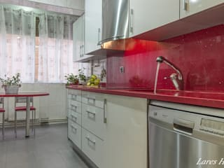 Home Staging cocina:  de estilo  de Lares Home Staging