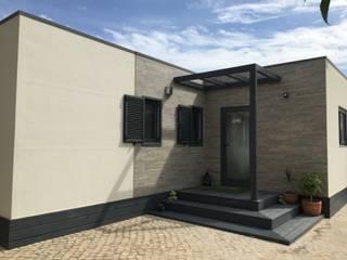 Casas prefabricadas de estilo  por KITUR,