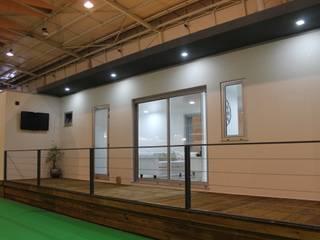 Casa Kitur - Modular Fixa: Habitações multifamiliares  por KITUR,Minimalista