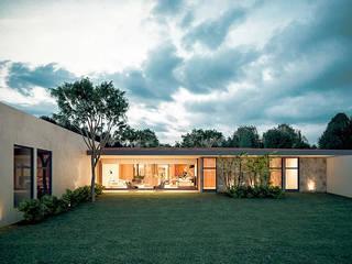Casa Z: Casas de estilo  por COUTIÑO & PONCE ARQUITECTOS