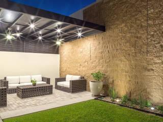 Área Exterior SSC: Jardines de estilo  por S2 Arquitectos