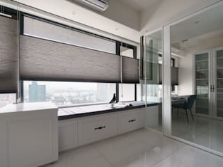 京城如意林宅 -- 現代古典風:  書房/辦公室 by Moooi Design 驀翊設計