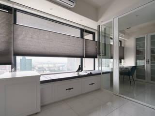 Modern style study/office by Moooi Design 驀翊設計 Modern