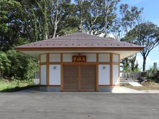 Asiatische Ladenflächen von 菅原浩太建築設計事務所 Asiatisch