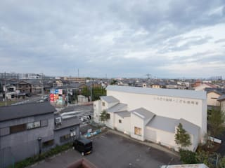 Cliniques modernes par 1-1 Architects 一級建築士事務所 Moderne