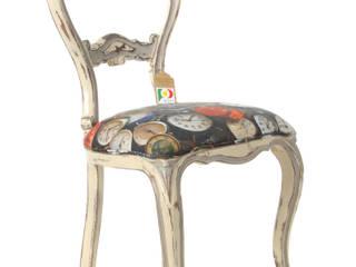 Cadeira branca com relógios:   por Sent´Aqui