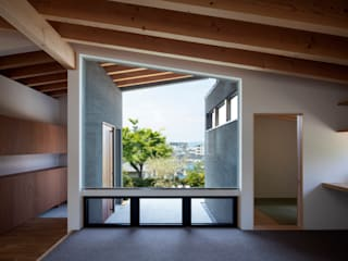 Modern windows & doors by 井上久実設計室 Modern
