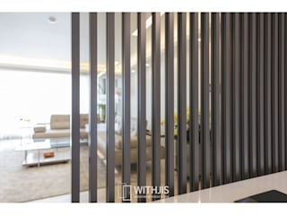 WITHJIS(위드지스) Modern dining room Aluminium/Zinc Brown