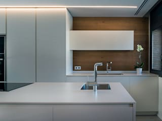 REFORMA | VIVIENDA UNIFAMILIAR EN GRANOLLERS: Cocinas de estilo  de Oxigen Interiors