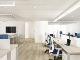Systemi: Estudios y oficinas de estilo  por Spazzio