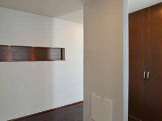 みんなのいえ オリジナルスタイルの 玄関&廊下&階段 の 久友設計株式会社 オリジナル