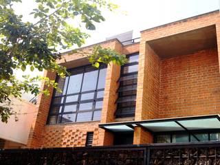 Casas estilo moderno: ideas, arquitectura e imágenes de Studio4a Moderno