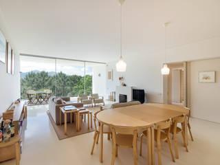 Sala comum / jantar: Salas de jantar  por João Boullosa