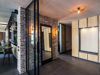 Slash Architects – Moda Evi:  tarz Koridor ve Hol