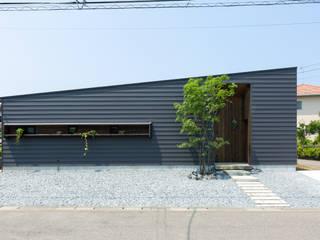 まんなみ設計室 บ้านไม้ เหล็ก Grey