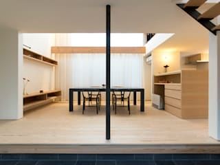 通り土間の家: まんなみ設計室が手掛けたダイニングです。,