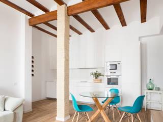 Modern dining room by negrosobreazul Modern