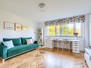 Zielony Żoliborz: styl , w kategorii Salon zaprojektowany przez IDeALS | interior design and living store