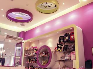 Design Comercial Anexos de estilo moderno Madera Morado/Violeta