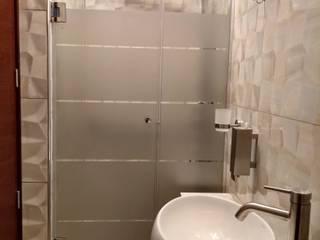 Design Comercial Baños de estilo moderno