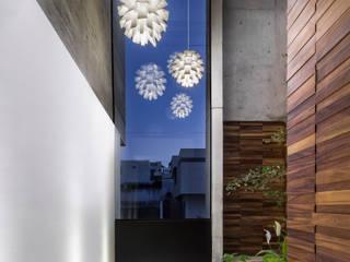 Casa Puerta del Bosque de MIDE Estudio Moderno