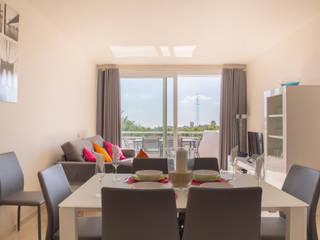 Fotografía Apartamento en la urbanización de lujo Alcazaba Lagoon en la Costa del Sol Salones de estilo mediterráneo de JCCalvente Mediterráneo