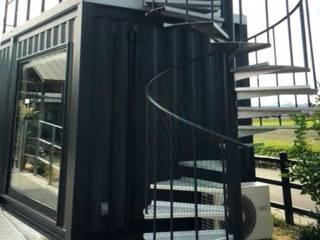 de 茂林樓梯扶手地板工程團隊 Industrial