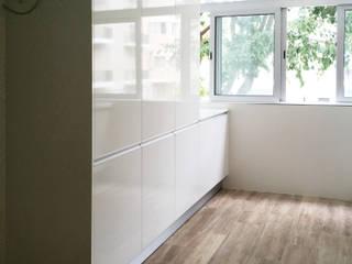Remodelação Apartamento - Aveiro Cozinhas modernas por GAAPE - ARQUITECTURA, PLANEAMENTO E ENGENHARIA, LDA Moderno