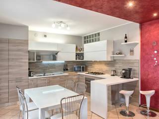 modern Kitchen by Fab Arredamenti su Misura