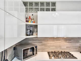 Cocinas de estilo moderno de Fab Arredamenti su Misura