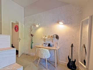 Chambre avec mezzanine et salle d'eau: Chambre de style  par ATDECO