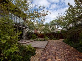 堺の家: NOMA/桑原淳司建築設計事務所が手掛けた庭です。,