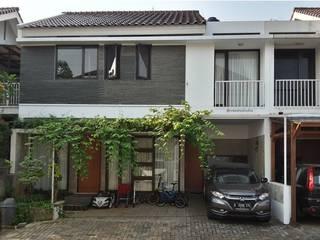 Rumah Taman – Ciganjur . Jakarta Selatan:modern  oleh Vaastu Arsitektur Studio, Modern