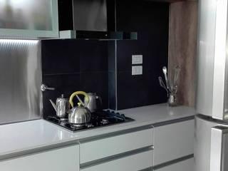 Remodelaión cocina de Metamorfosis arquitectura y diseño Minimalista