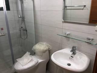 洗手台與馬桶 現代浴室設計點子、靈感&圖片 根據 讚基營造有限公司 現代風