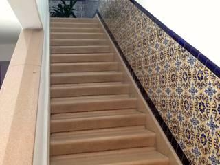 Stairs by Bienes Raices Gaia, Modern