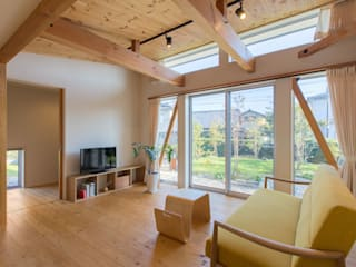 3-BOX 1800万円の家: アース・アーキテクツ一級建築士事務所が手掛けたリビングです。