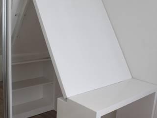 minimalist  by POWL Studio, Minimalist