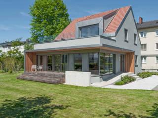 Zubau und Umbau in Pasching:  Häuser von lobmaier architekten zt gmbh
