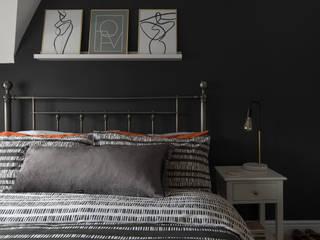 Bedroom:  Bedroom by Jamie Knop